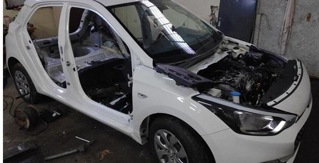 Εξαρθρώθηκε σπείρα που έκλεβε αυτοκίνητα - Ο αρχηγός έδινε εντολές από τη φυλακή