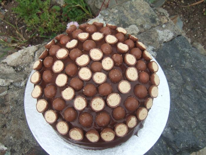 Cake Icing Recipe By Zarnak: Chocolate Malteser Cake By Chef Zarnak