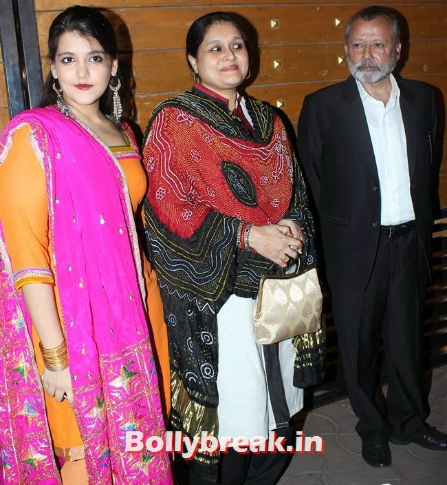 Supriya Pathak and Pankaj Kapoor, Filmfare Awards 2014 Red carpet Images