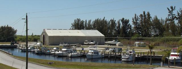 Marina en la SR 31, junto al rio Caloosahatchee