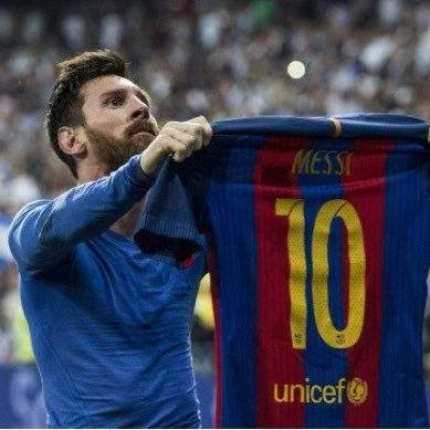 "Barcelona boss Luis Enrique declared Lionel Messi ""the best player in history"