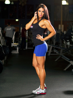female fitness model amanda latona  ifbb pro bikini