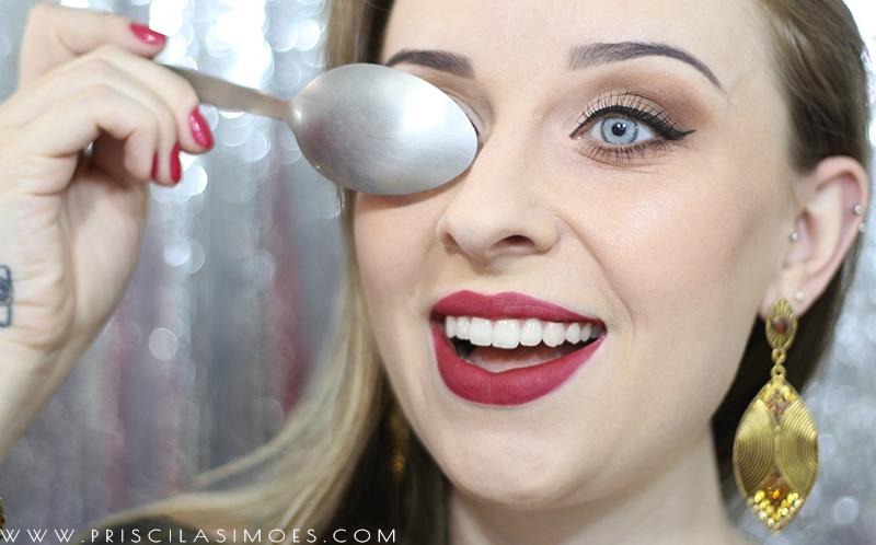 maquiagem usando colher