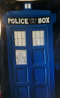 ProsperityStuff Dr. Who TARDIS. Quilt