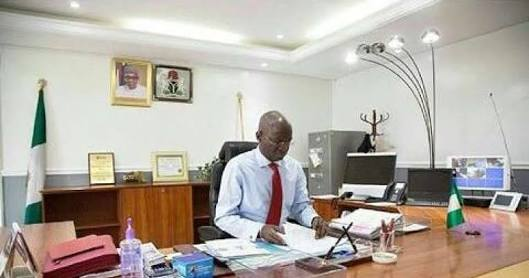 Fashola Repents? Electricity issues can't be solved by magic