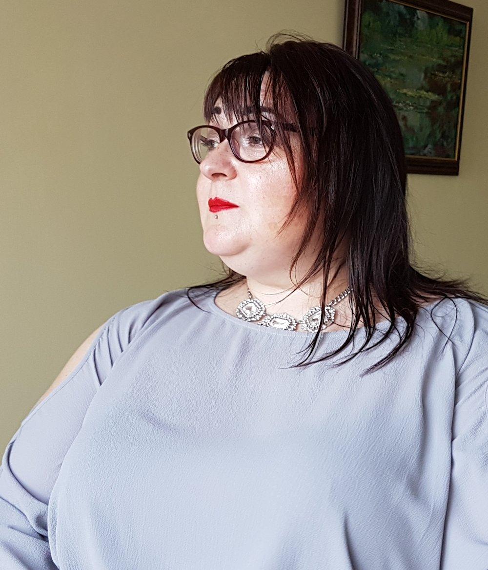 Lovedrobe-grey-cold-shoulder-shift-dress-plus-size // www.xloveleahx.co.uk