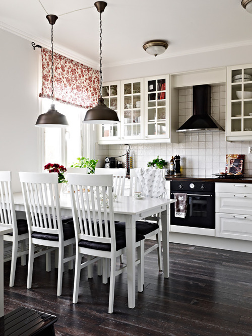 25 Beautiful Black And White Kitchens The Cottage Market
