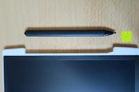 Stift neben dem Fach: DIGISON DS-9500 LCD 12 Zoll Writing Tablet / Grafiktablet / Schreibtafel (Schwarz, inkl. Stift)