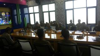 osialisasi TP4D tampak Kepala DKIS Kota Cirebon, Iing Daiman, SIP, MSi dan semua jajaran yang ada