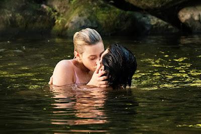 Riverdale Season 3 Cole Sprouse Lili Reinhart Image 2