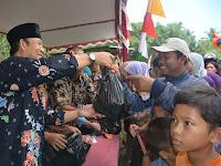 Bupati Husein buka pasar murah di Desa Klinting Somagede