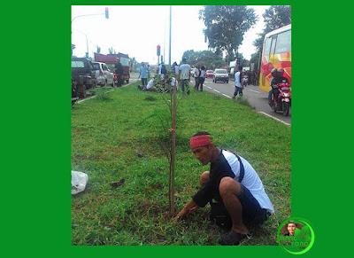 Aksi MASSAL Hari Bumi tanam pohon