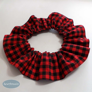 Buffalo Plaid Christmas Dog Scrunchie Ruffle, Red