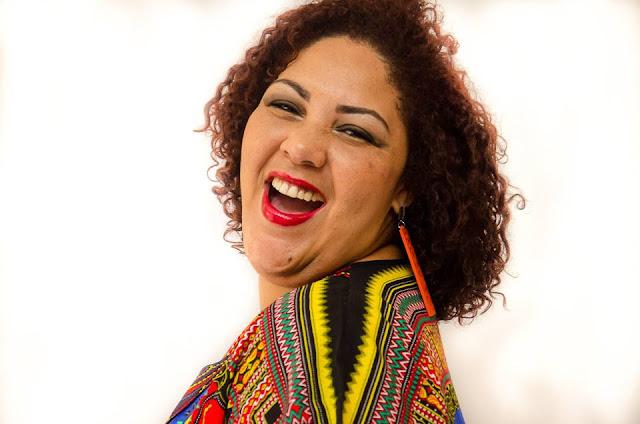 Ex-The Voice Cinthia Ribeiro é atração no Samba na Praça deste domingo