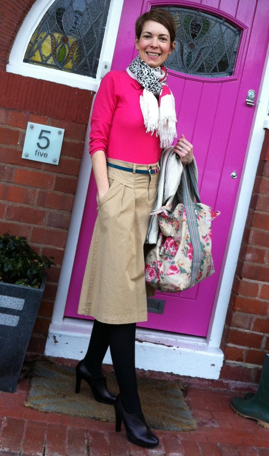 Смотреть бесплатно фотографиипод юбку фото 173-853
