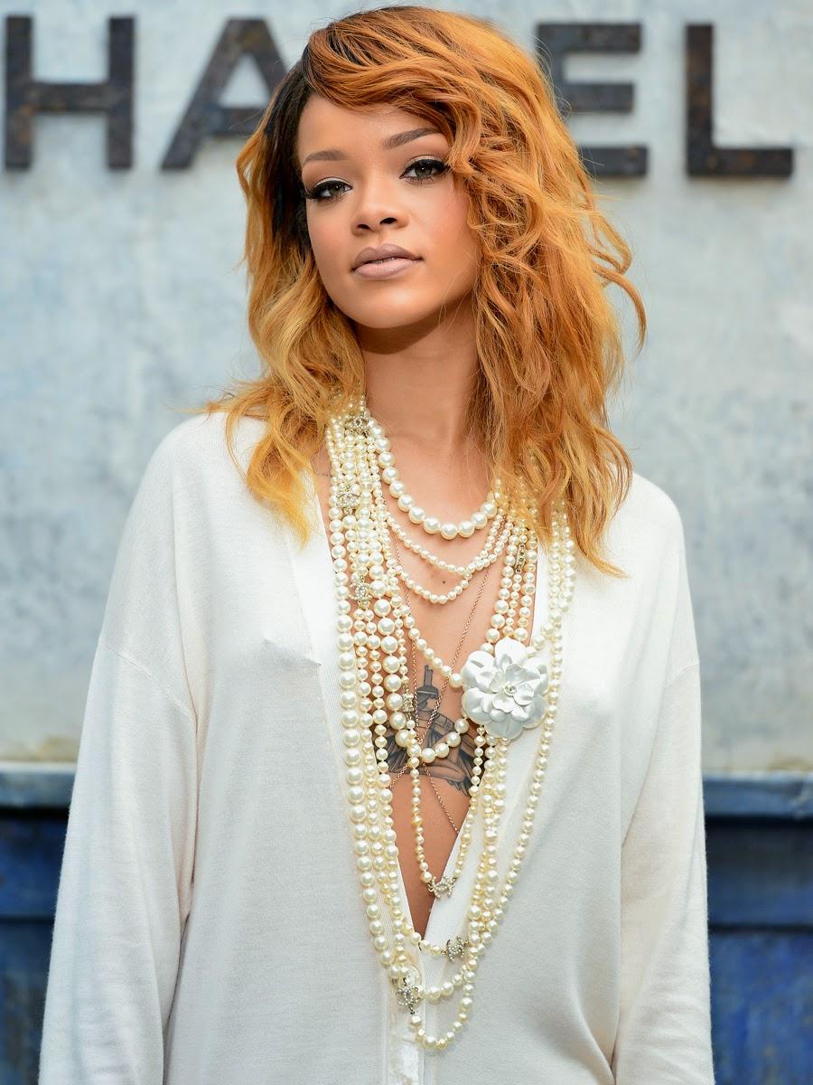 Rihanna Braless At Chanel Fashion Show  Paparazzi Oops-4461