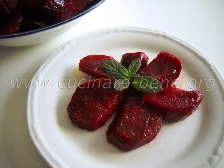 Insalata di barbabietole cucinare bene ricette for Cucinare barbabietole