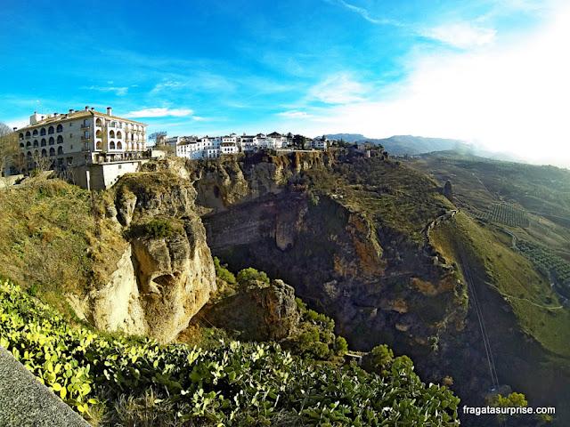 Ronda, Andaluzia, Espanha - Desfiladeiro do Tajo