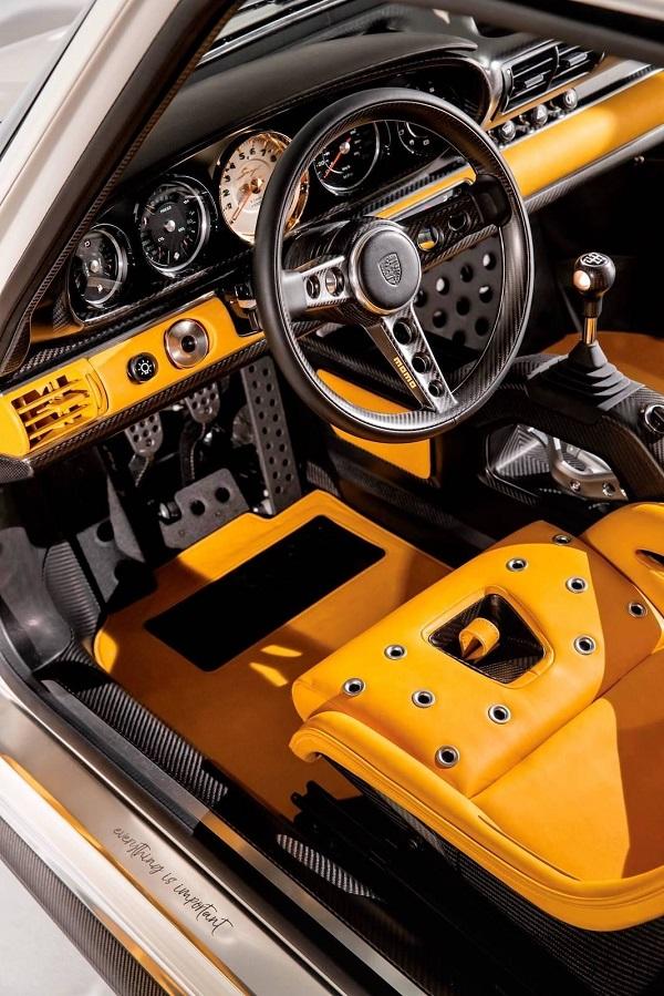 Interior Porsche 911 964 preparado por Singer