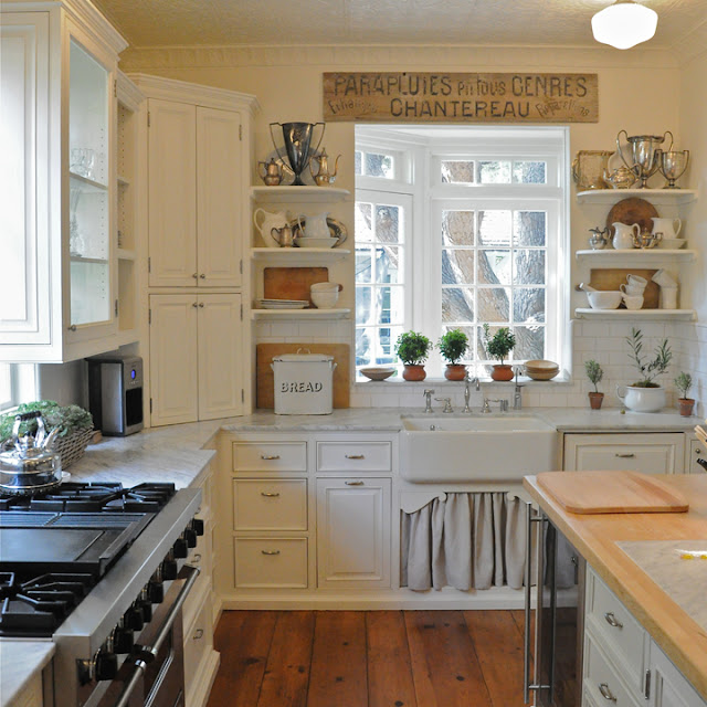 Vintage Inspired Kitchen in California beach cottage in Santa Monica by Giannetti Home