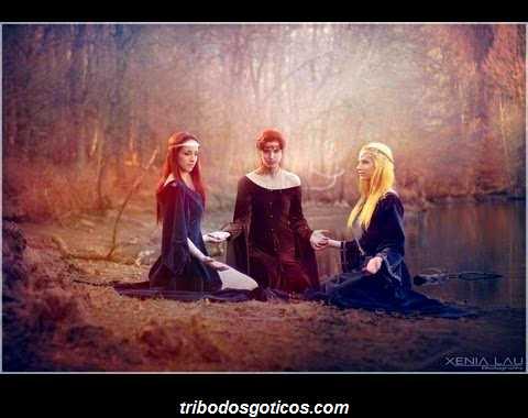 wicca religiao reunidas juntas oração