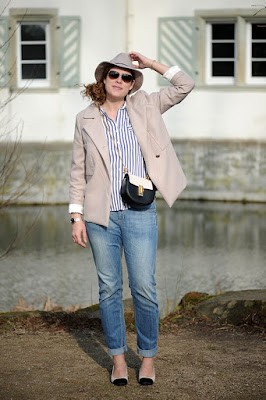 http://seaofteal.blogspot.de/2016/03/signs-of-spring-stripes-beige-5-facts.html