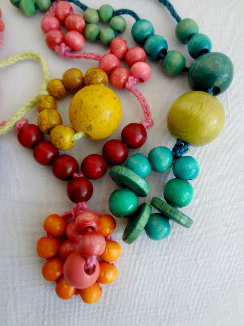 tying and beading necklaces idea