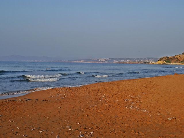 plaża w Stalos koloru złotego