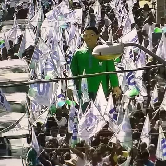 Candidato a Prefeito Fábio Gentil realiza grande caminhada no centro da cidade e Analio Jr se consolida rumo ao legislativo em Caxias