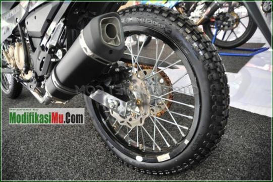 Knalpot Prossped - Modifikasi Suzuki Satria F150 Off Road Style Sederhana Tapi Keren Velg Jari Jari Warna Hitam Airbrush