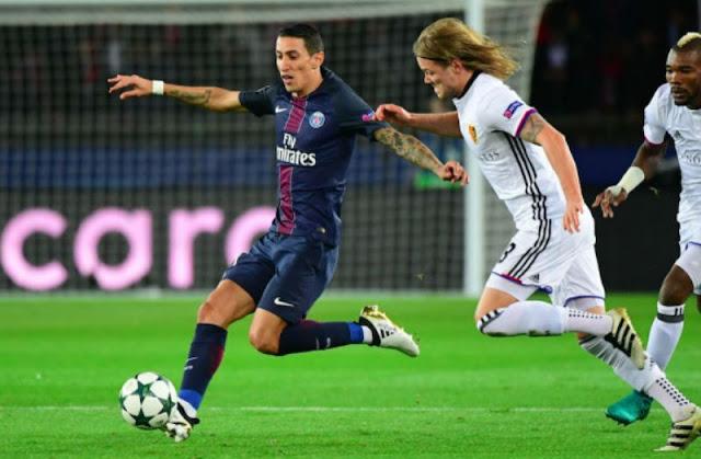 Angel Di Maria face au F.C. Bâle avec le PSG en Ligue des Champions