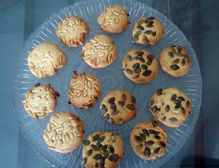 galletas de piñones y pipas de calabaza