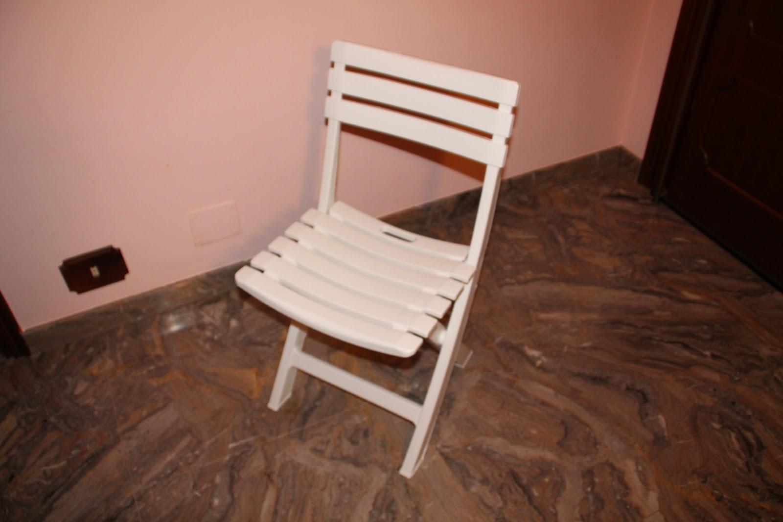 sedie pieghevoli plastica bianche 34.00€  Vendo-Tutto-Subito!