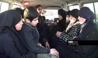 Allahu Akbar! Pejuang Suriah Bebaskan 55 Wanita dan Anak-Anak Tawanan Syiah