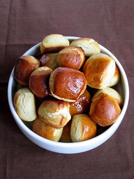 Soft pretzel bites tinascookings.blogspot.com