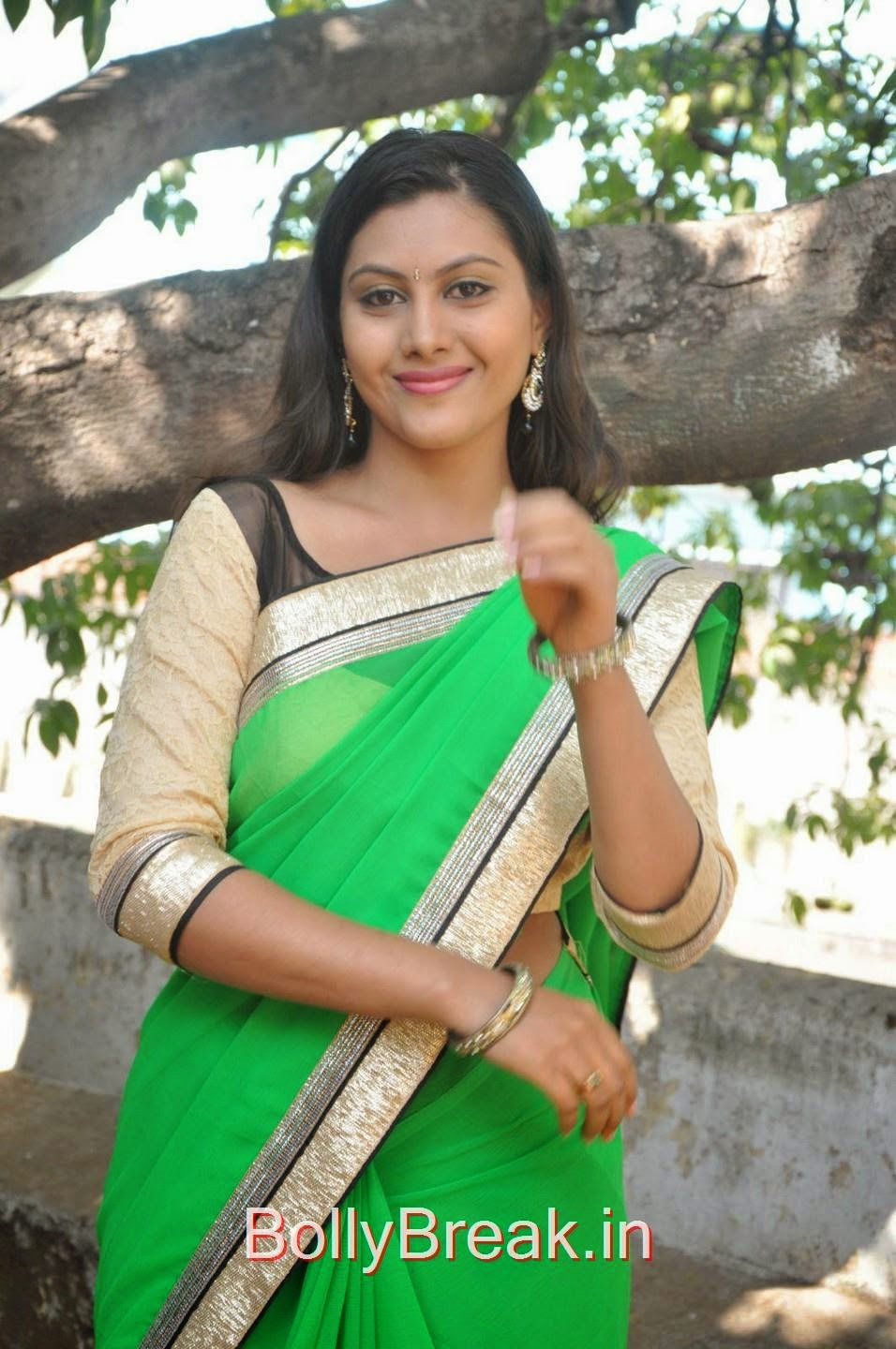 Telugu Actress Priyanka, Hot Pics Of Priyanka In Green Saree from SS Art Productions Production No 1 Movie