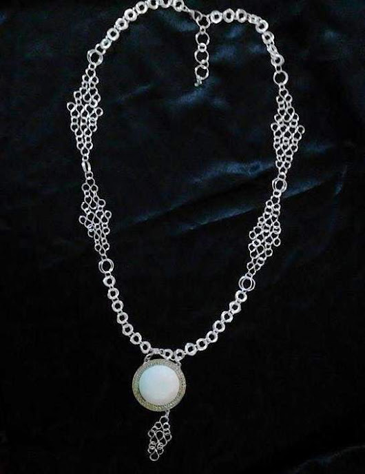 Handmade Fabulous chain with white pendant