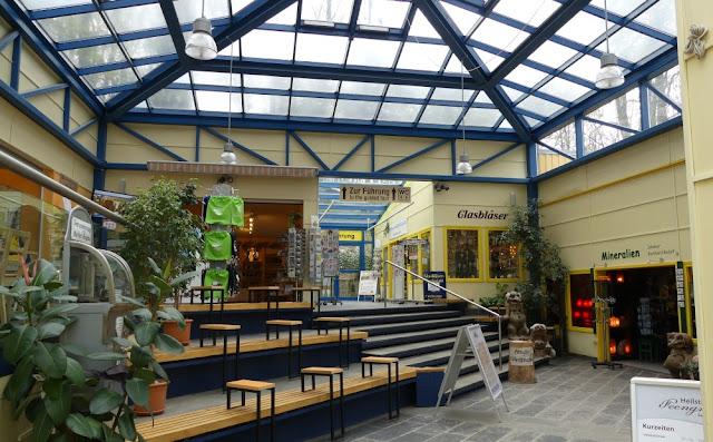 Saalfelder Feengrotten - Kasse und Handwerkerhof