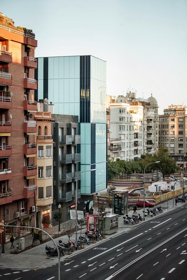 Colegio de Economistas de Cataluña / Roldan+Berengué Arquitectos ...