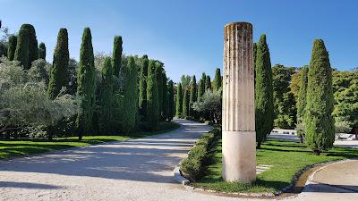 parco con colonne romane