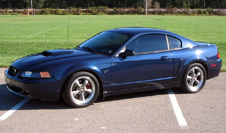 2001 Ford Mustang Gt Models Get Unique Hood And Side Scoops So That You Can Tell Em Apart From V6 After A One Year Hiatus The Svt