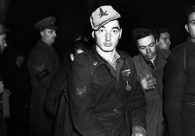 Italian POW in London, 2 January 1942 worldwartwo.filminspector.com
