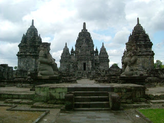 Makalah Sejarah Kerajaan Mtaram Kuno Dinasti Syailendra