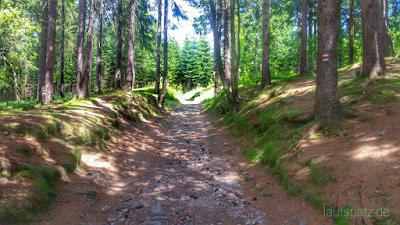 Weg zum Blatensky Vrch Tschechien