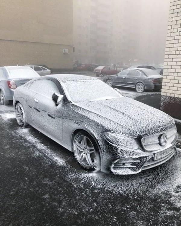 FOTOS: se congelan carros y objetos en rusia.