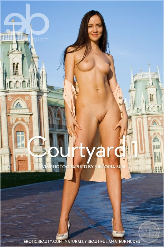 EroticBeauty 2014-10-10 Vik - Courtyard 1 10120