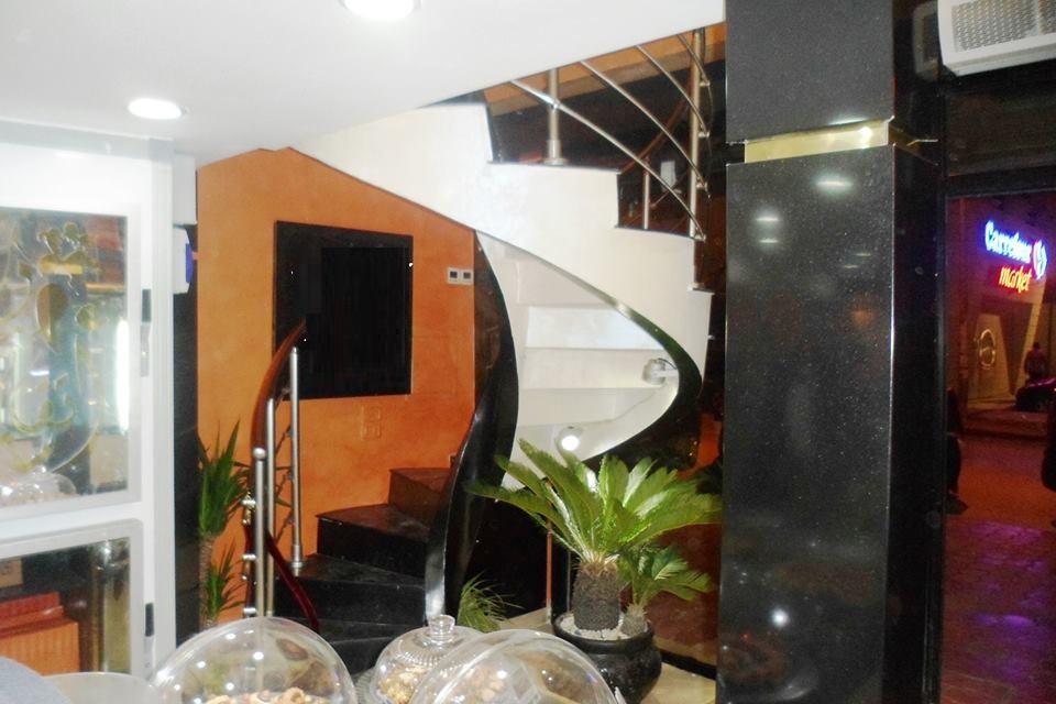 fabrication et montage des escaliers préfabriques en beton arme At patisserie takacim , riadh andalous a cote de carfour .