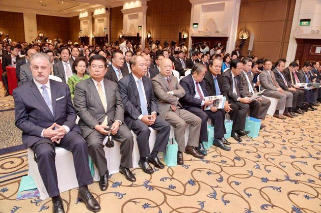 Ouverture du Sommet International des Affaires au Cambodge