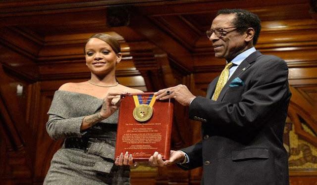Rihanna delights at Harvard recognition