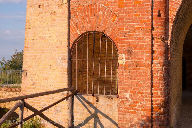 Forte Altavilla — Citerne ou puits jouxtant le passage de porte